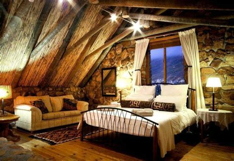 Warm/rustic Rooms That Give A Cozy Feeling.
