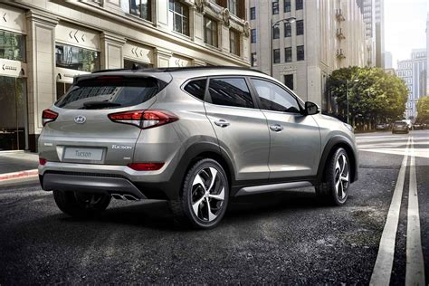 Tucson pushes the boundaries of the segment with dynamic design and advanced features. Fiche technique Hyundai Tucson 2.0 CRDi 136 2016