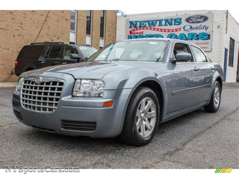 Newins Ford by 2006 Chrysler 300 In Silver Steel Metallic 513690