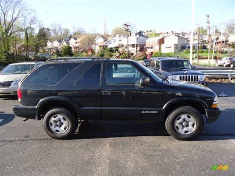 Black Chevrolet Blazer Exterior Photo