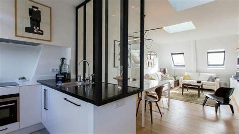 meuble bar separation cuisine americaine rénovation design d un trois pièces