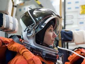 Nicole Stott retires from NASA after 27 years of service ...