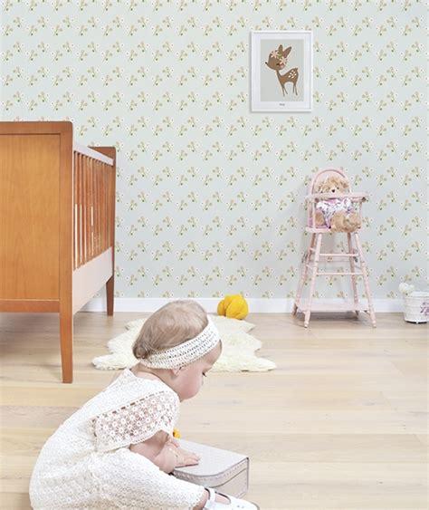 tapisserie chambre bébé fille affiche chambre d 39 enfant faon et fleurs lilipinso
