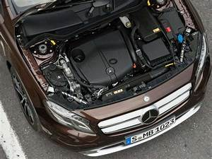 Mercedes Classe A 200 Moteur Renault : 10 things you need to know about the 2015 mercedes benz gla class ~ Medecine-chirurgie-esthetiques.com Avis de Voitures