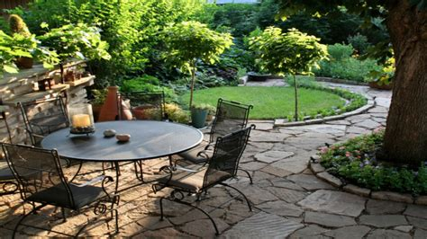 patio furniture arrangement small yard landscaping design