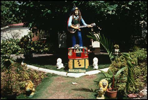 bob marley statue  hope road kingston jamaica