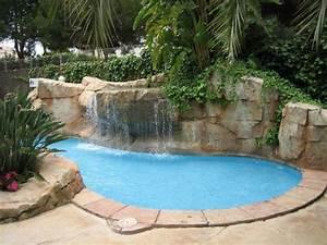 Kleiner Garten Mit Pool : kleiner pool mit wasserfall hotel cosmopolitan platja de palma playa de palma ~ Markanthonyermac.com Haus und Dekorationen