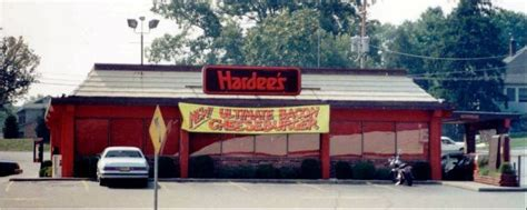 hardees coming  elk grove village