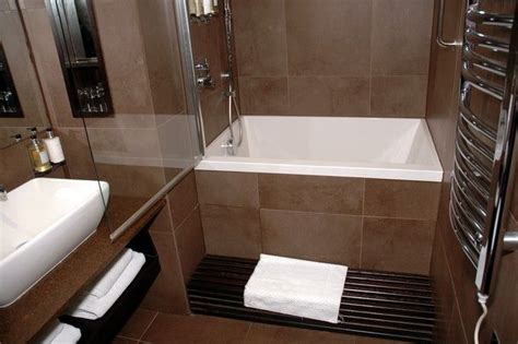 Soaking Tub With Shower by Small Tubs Shower Combo Soaking Tub Freestanding