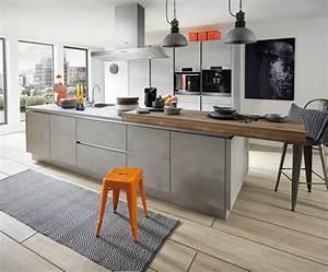 Arbeitsplatte Küche Beton : k che mit kochinsel trend k che in beton grau k che co ~ Watch28wear.com Haus und Dekorationen