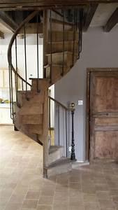 Escalier En Colimaçon : escalier ancien en ch ne en colima on rampe acier vieilli ~ Mglfilm.com Idées de Décoration