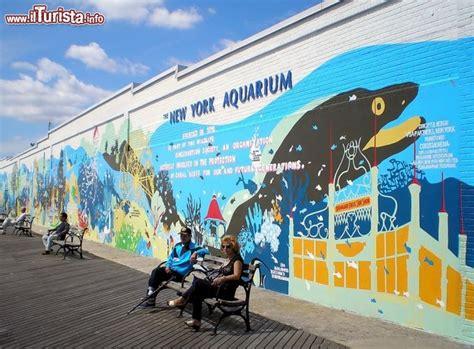 veduta new york aquarium di coney island foto