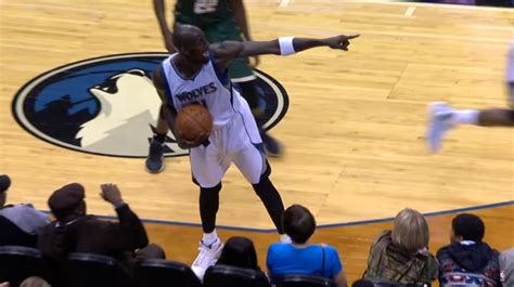 Here Are All The Best Bloopers From The 2015-16 NBA Season ...