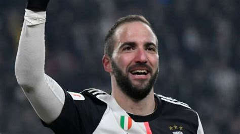 Gonzolo Higuain signs with Inter Miami after leaving Juventus