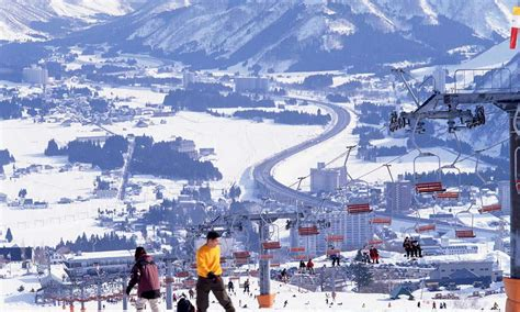 enjoy snow  winters niigata japan monthly web magazine