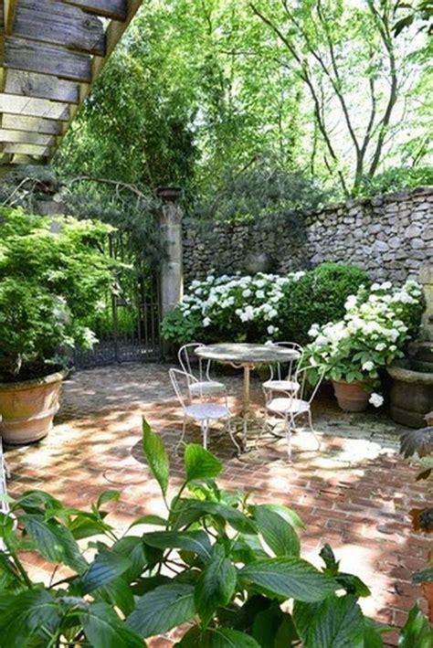 courtyard gardens ideas  pinterest nice small