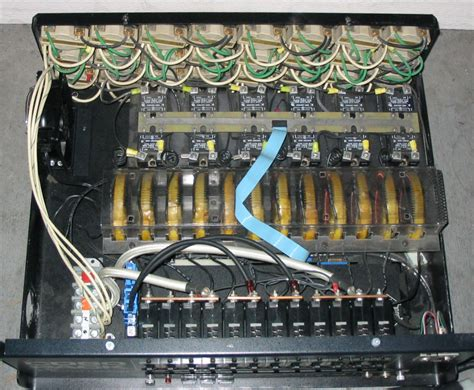 voltage controller wikiwand