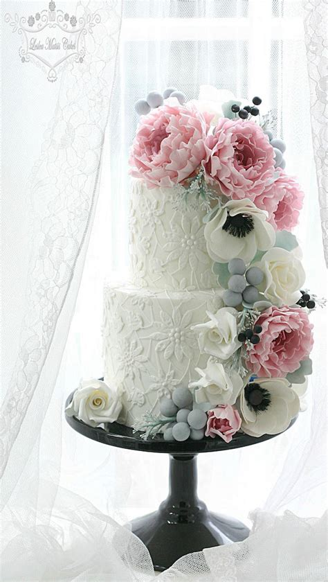 wedding cake ideas sugar flowers belle  magazine