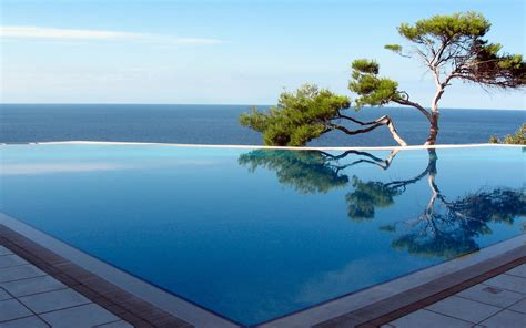 Infinity Pool : Infinity Pools With The Most Stunning Views