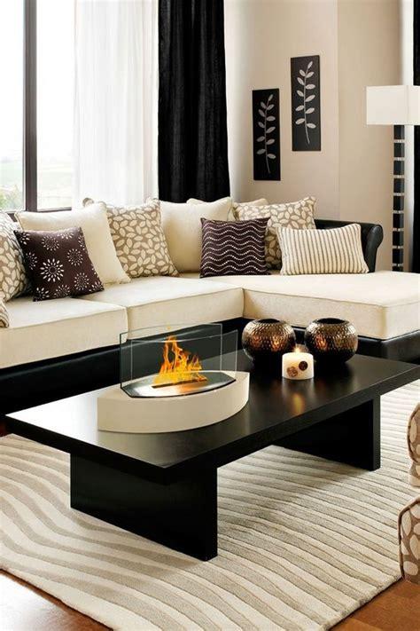 Bilder Wohnzimmer Schwarz Weiss by 48 Black And White Living Room Ideas Decoholic