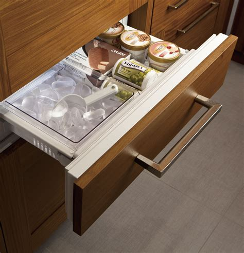 zikgnzii monogram  fully integrated glass door refrigerator  convertible drawer