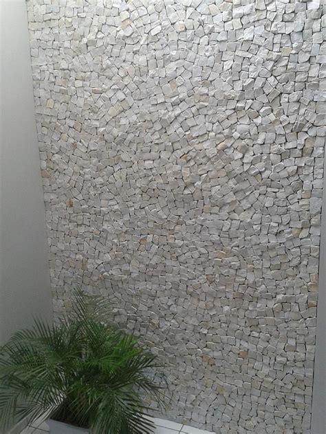 pedra portuguesa branca  revestimento interno