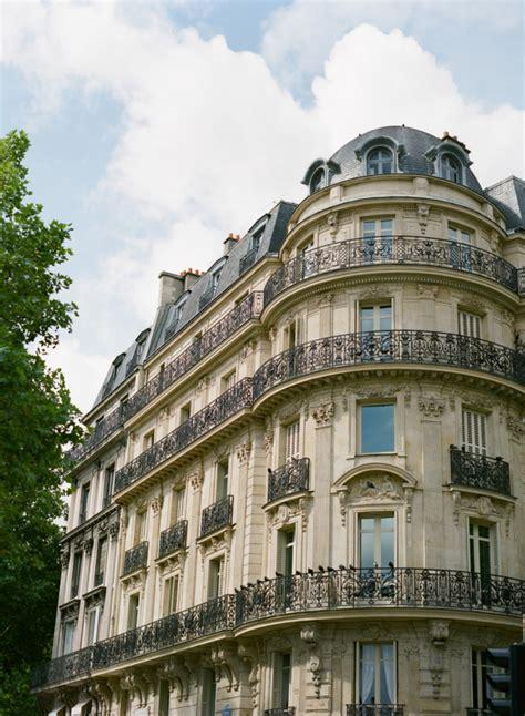 Classic Parisian Architecture Entouriste