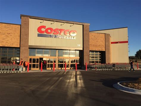 'Glad I got a cart': Long-awaited Lincoln Costco opened ...
