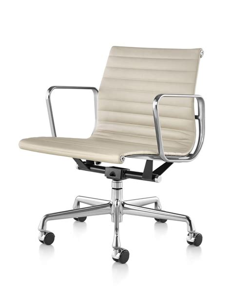 HermanMiller® Eames® Aluminum Group Management Chair - The ...