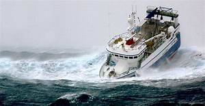 RIDING OUT STORMS IN A SEAVAX BUBBLE HULL WITH AUTOMATIC ...
