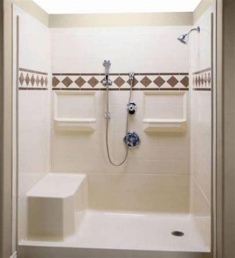 Fiberglass Shower Units by Best 25 Fiberglass Shower Stalls Ideas On