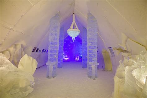 staying   quebec ice hotel