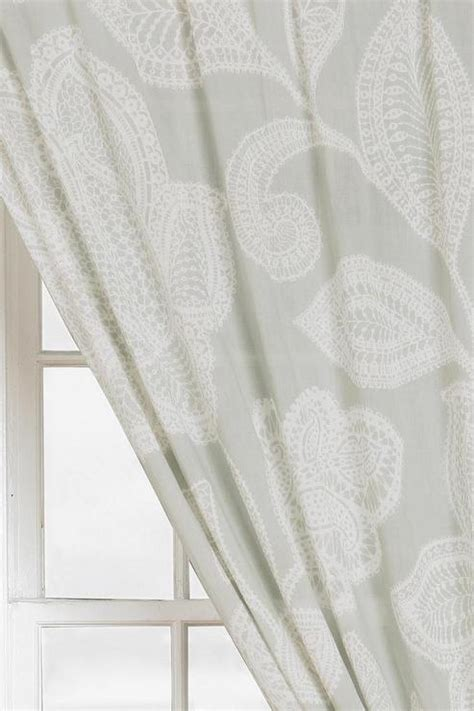 plum bow sugarplum lace curtain i urban outfitters
