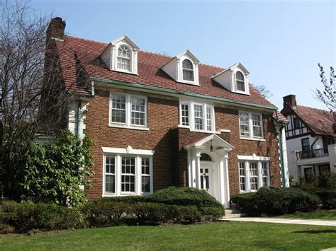 see it luxurious forest gardens colonial home