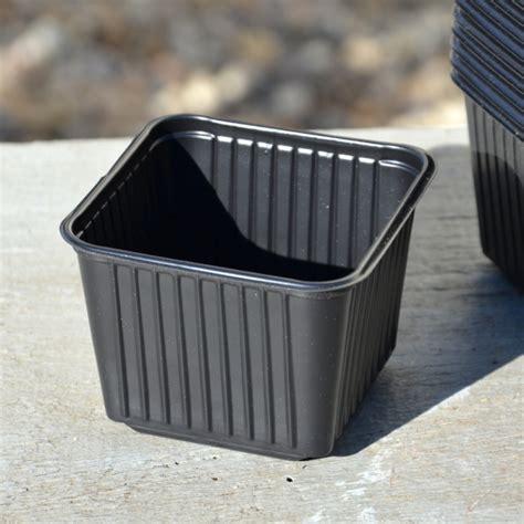 pots carres en plastique godets 224 repiquer en plastique 12 pots carr 233 s de 9 cm