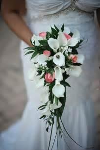 bouquet de fleurs mariage 10 bouquets en cascade qui vont vous faire chavirer mariage