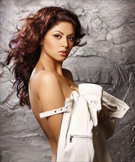 actress kavitha thi f i r actress kavita kaushik writes an open letter to