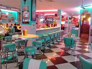 American Diner Wallpaper : best 25 1950s diner ideas on pinterest vintage diner retro diner and 1950s ~ Orissabook.com Haus und Dekorationen