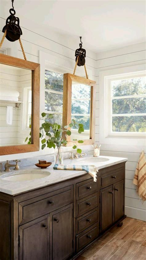 Hanging Bathroom Mirror by 25 Best Ideas About Mirror Hanging On Small