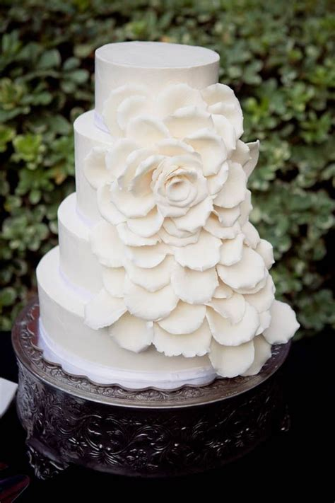 Simple Yet Beautiful Wedding Cake Wedding Cakes