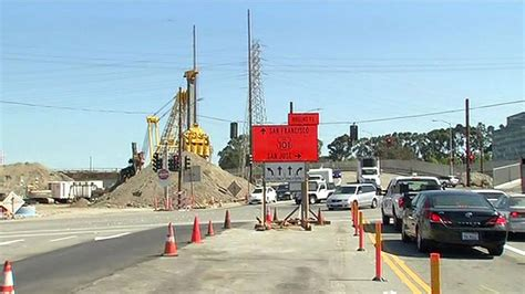 construction  hold  transmission tower accident