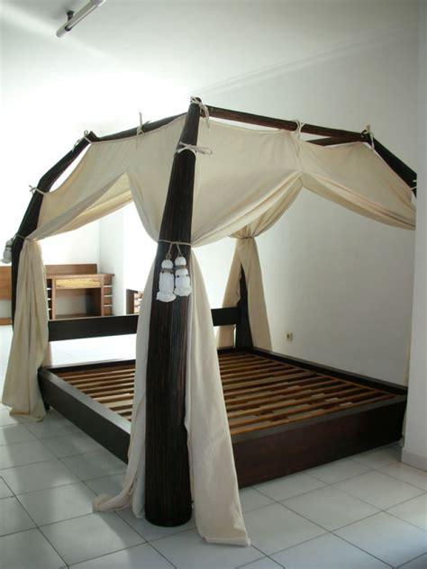 rideau pour chambre lit baldaquin bois wenge sarang buaya dimensions au choix