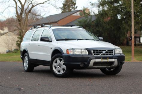volvo xc  wagon awd turbo  cross