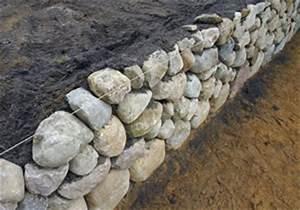 Trockenmauer Bauen Ohne Fundament : natursteinmauer anleitung zum mauern und selber bauen ~ Lizthompson.info Haus und Dekorationen