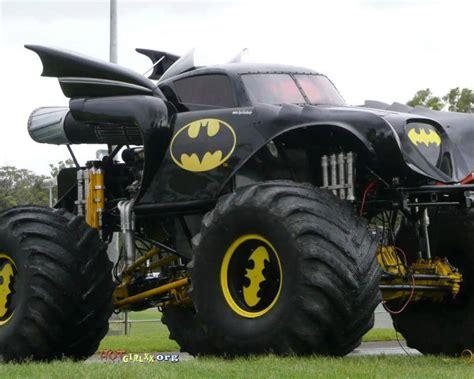 monster jam batman truck batmobile monster truck mod now that 39 s what i call a truck