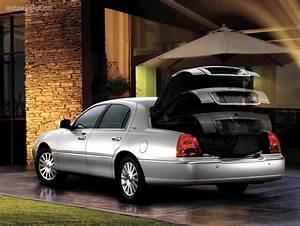Lincoln Town Car - 2003  2004  2005  2006