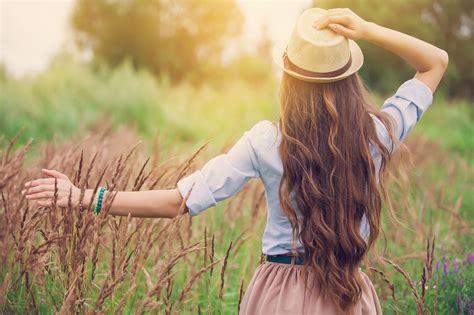 Kā cīnīties ar pārmērīgu matu izkrišanu? | BENU.LV - apt