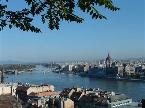 budapest hungary queen city   danube river