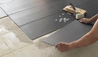 comment poser des dalles adhesives sur du carrelage comment changer sol sans ragr 233 age parquet dalle de pvc moquette 18h39 fr