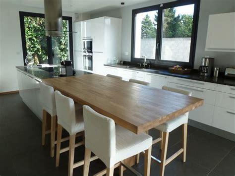cuisine avec ilot central et table cuisine en bois avec ilot maison moderne